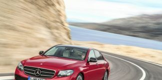 Đánh giá xe Mercedes Benz E300 AMG 2017
